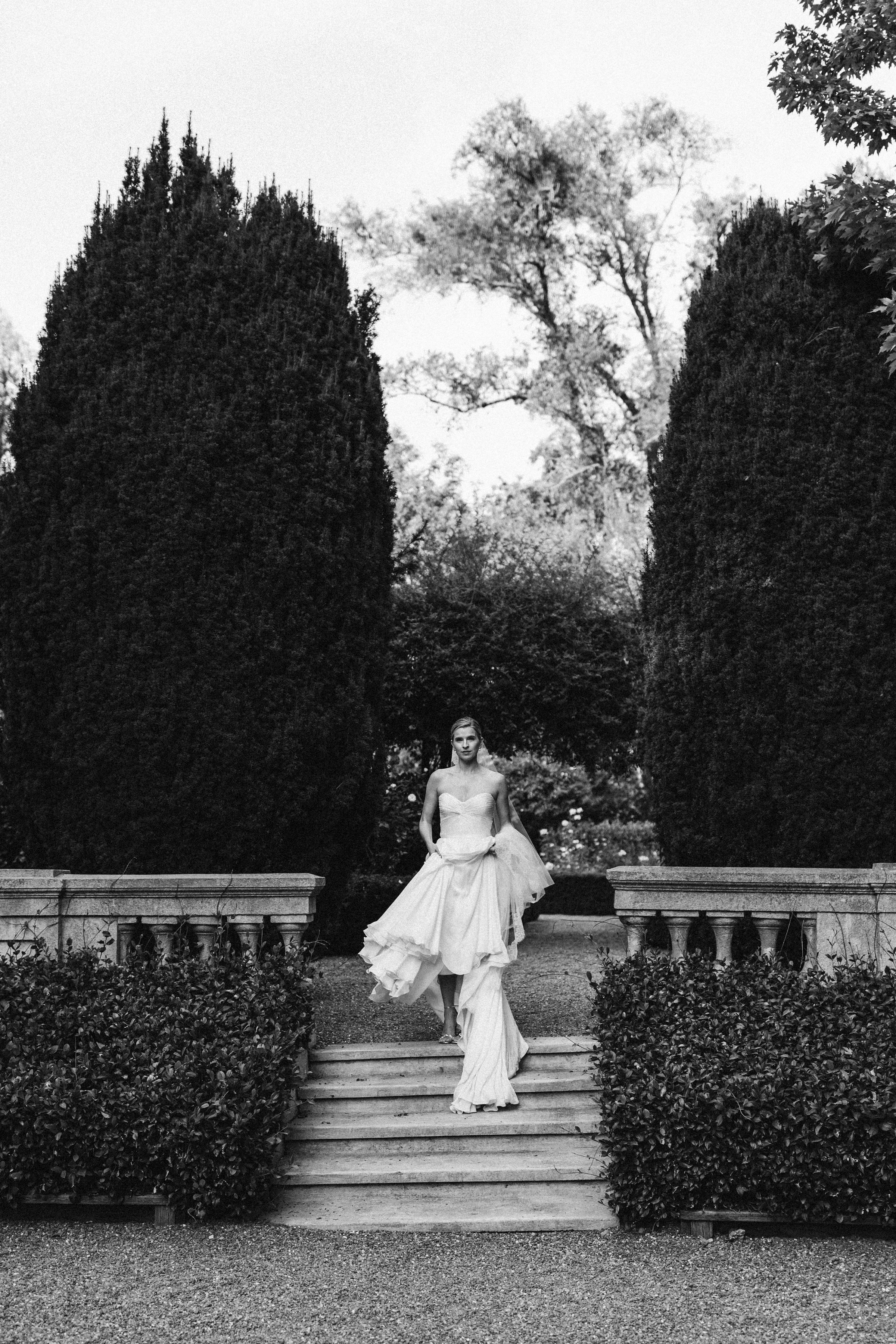 timeless black and white wedding photography from top wedding photographer Sarah Falugo at a Napa Valley Wedding