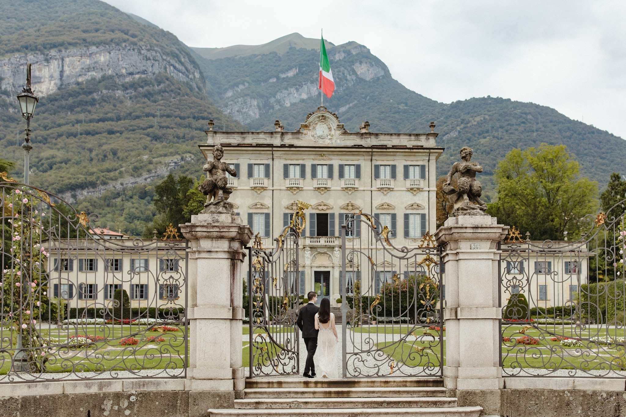 Villa-Sola-Cabiati-Wedding-Photoshoot-with-Sarah-Falugo-for-Vogue